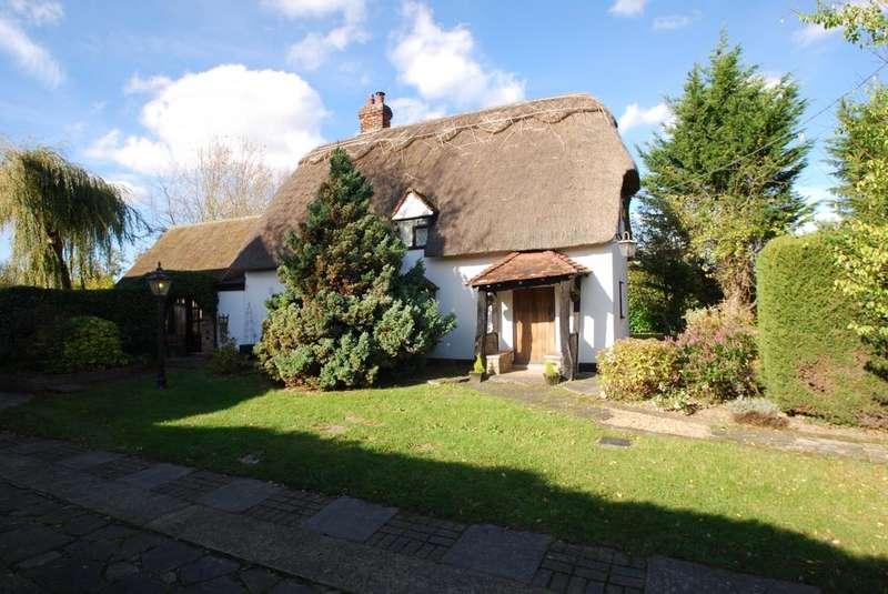 3 Bedrooms Cottage House for sale in Leaden Roding, Dunmow