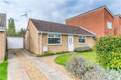 2 Bedrooms Bungalow for sale in Waterbeach, Cambridge, Cambridgeshire