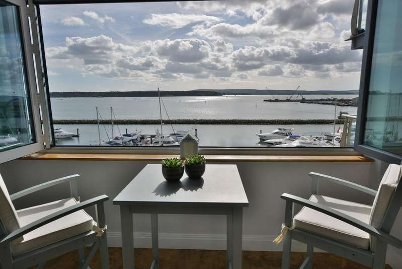 2 Bedrooms Apartment Flat for rent in The Quay, Poole