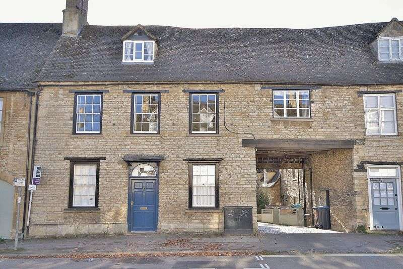 4 Bedrooms Property for sale in West End, Witney