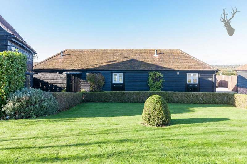 2 Bedrooms House for rent in Abridge Road, Theydon Bois, CM16