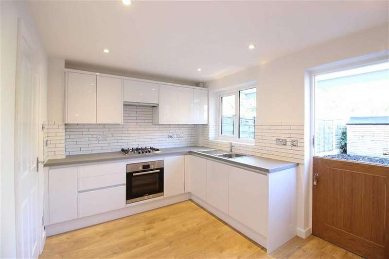 2 Bedrooms Terraced House for sale in Stuart Street, Clayton