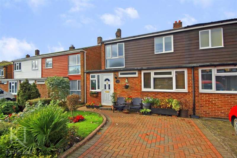 4 Bedrooms Semi Detached House for sale in Whiteley Close, Dane End, Ware