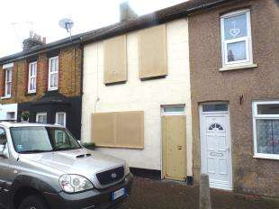 3 Bedrooms Terraced House for sale in Unity Street, Sheerness, Kent