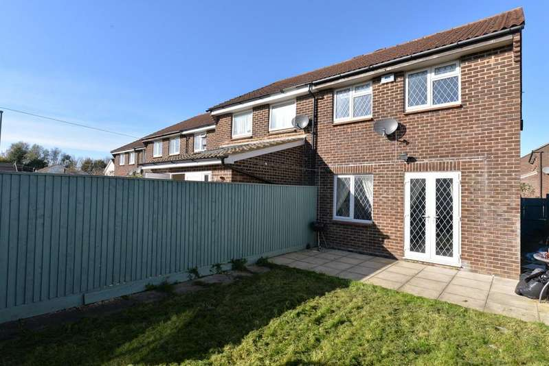3 Bedrooms End Of Terrace House for sale in Balmoral Walk, New Milton
