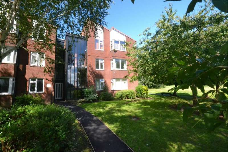 2 Bedrooms Flat for sale in 60 Delbury Court, Hollinswood, Telford, Shropshire, TF3
