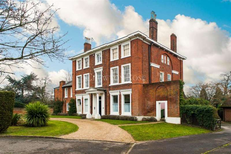 3 Bedrooms Flat for sale in Wick Hill House, Kenilworth Avenue, Bracknell