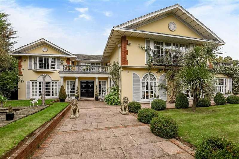 6 Bedrooms Detached House for sale in Brookmans Avenue, Brookmans Park, Hertfordshire