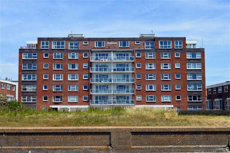 2 Bedrooms Flat for sale in Dane Heights, Seaford