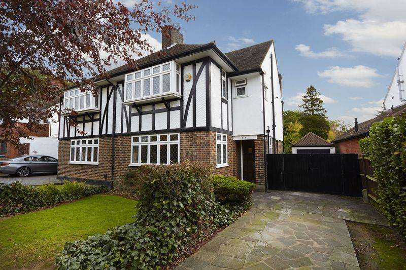 3 Bedrooms Semi Detached House for sale in Riefield Road, Eltham Heights SE9