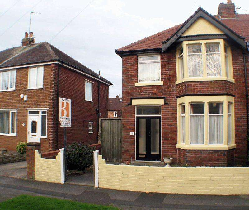 3 Bedrooms Semi Detached House for sale in Conway Avenue, Normoss, FY3 7SF