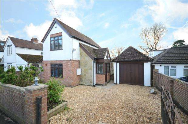 Detached House for sale in Sunray Estate, Sandhurst, Berkshire