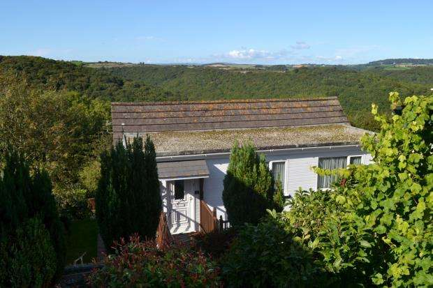 4 Bedrooms Detached House for sale in Goonwartha Road, Looe, Cornwall