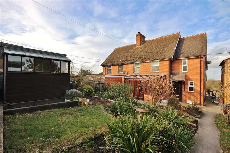 3 Bedrooms Semi Detached House for sale in Old School Lane, East Challow, Wantage, OX12