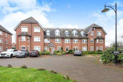 2 Bedrooms Flat for sale in Wellington Road, Timperley, Altrincham, Greater Manchester