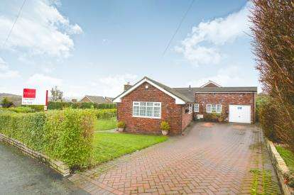 4 Bedrooms Bungalow for sale in Counting House Road, Disley, Stockport, Cheshire