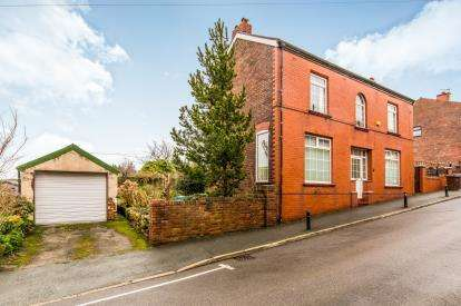 3 Bedrooms Detached House for sale in Rock Street, Gee Cross, Hyde
