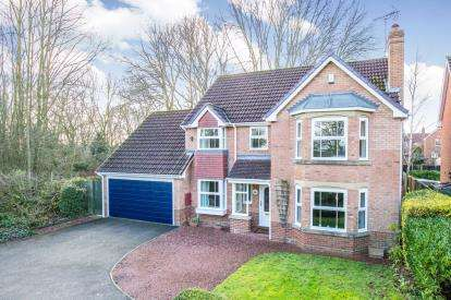 4 Bedrooms Detached House for sale in Appleby Court, Knaresborough, .
