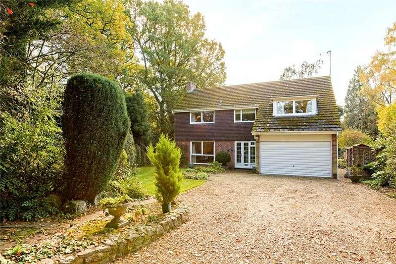 4 Bedrooms Detached House for sale in Garden Close Lane, Newbury, Berkshire, RG14