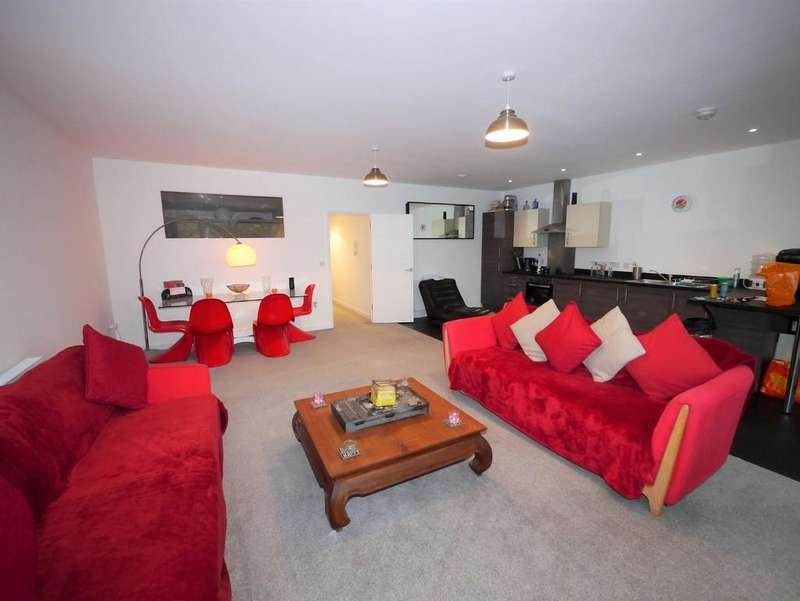 2 Bedrooms Apartment Flat for sale in Rope Walk, Ipswich