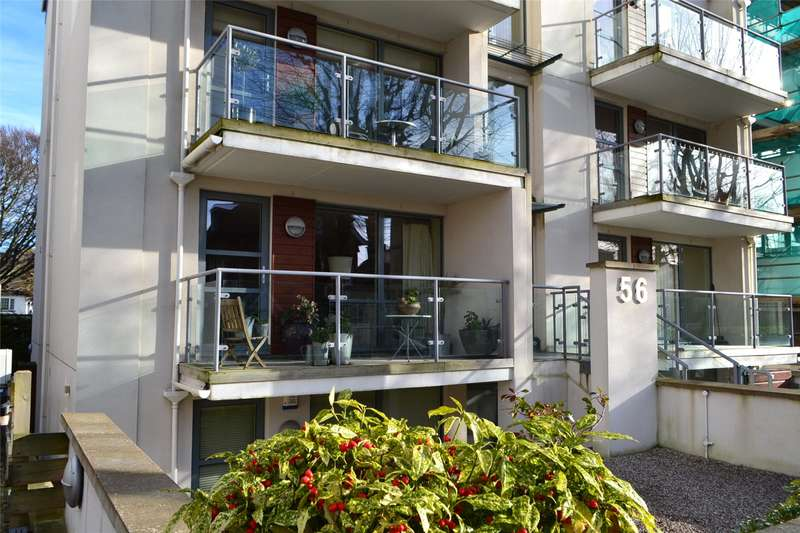2 Bedrooms Flat for sale in Palmeira Avenue, Hove, East Sussex, BN3