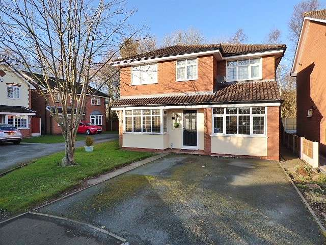 4 Bedrooms Detached House for sale in Goldcliffe Close, Callands, Warrington