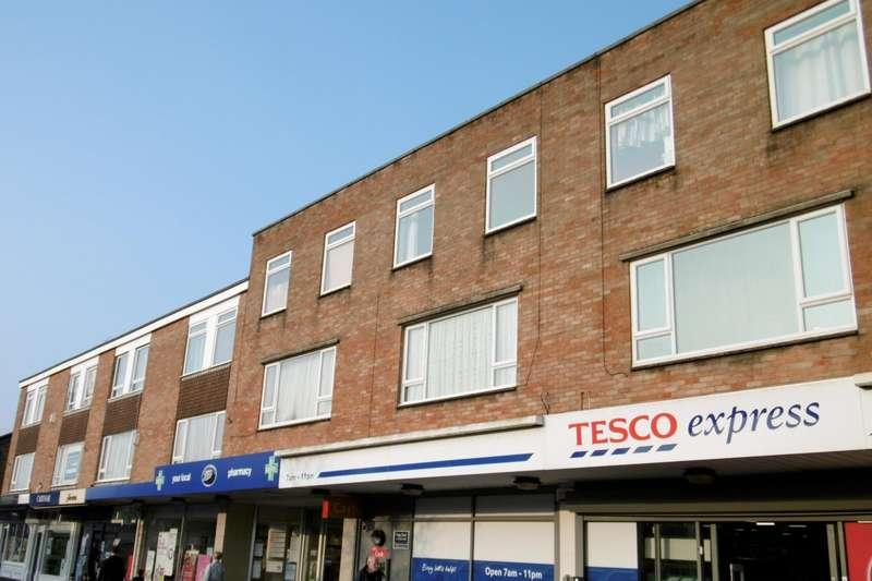 3 Bedrooms Maisonette Flat for rent in Broadway House, Lower Blandford Road, Broadstone