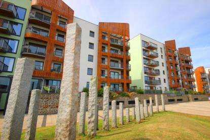 2 Bedrooms Flat for sale in Argentia Place, Portishead, Bristol