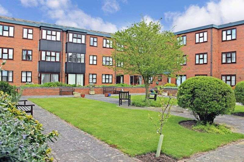 2 Bedrooms Property for sale in Lincoln Gate, Peterborough, PE1 2RE