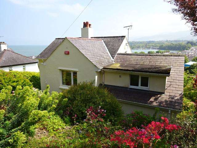 4 Bedrooms Detached House for sale in UPPER GARTH ROAD, BANGOR LL57