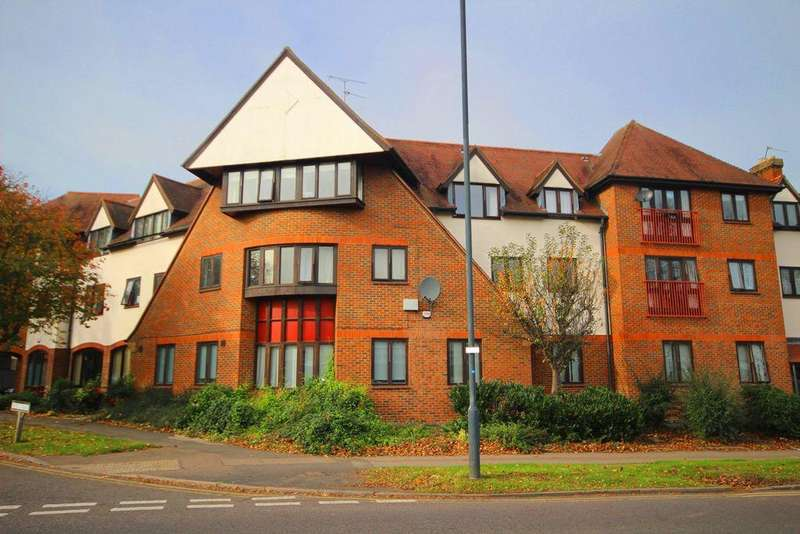2 Bedrooms Apartment Flat for rent in Norton Way North, Letchworth Garden City, SG6
