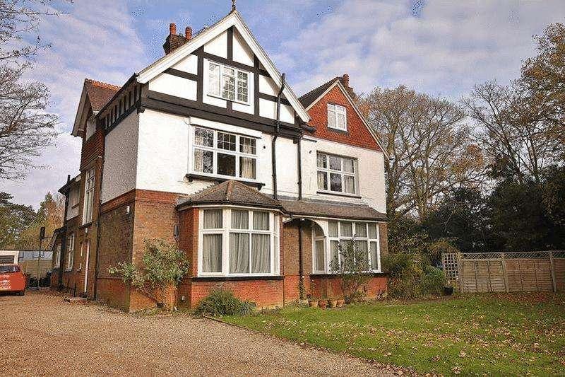 1 Bedroom Apartment Flat for sale in Landscape Road, Warlingham