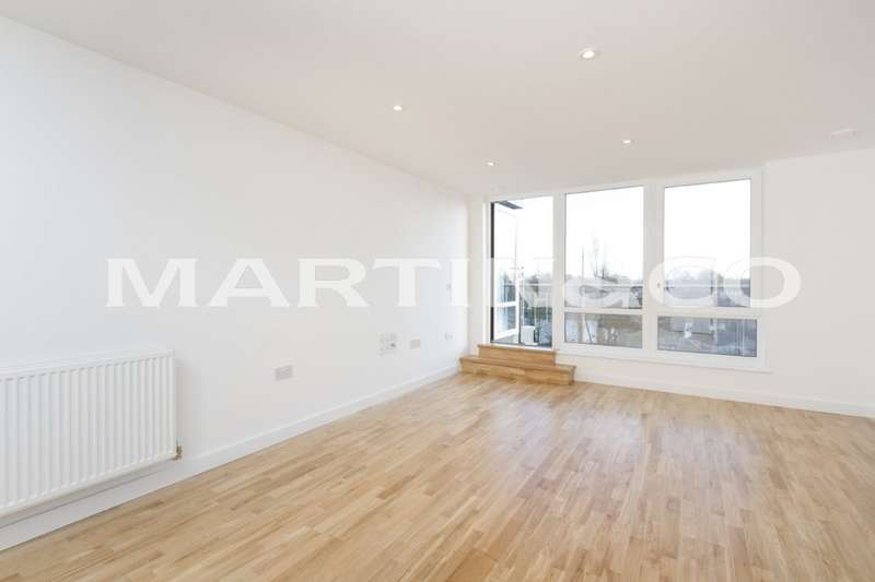 2 Bedrooms Apartment Flat for sale in Lighterage Court, Brentford TW8