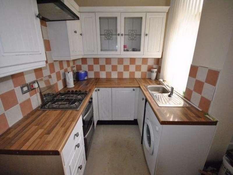 4 Bedrooms Property for rent in Broomfield Road, Marsh HD1