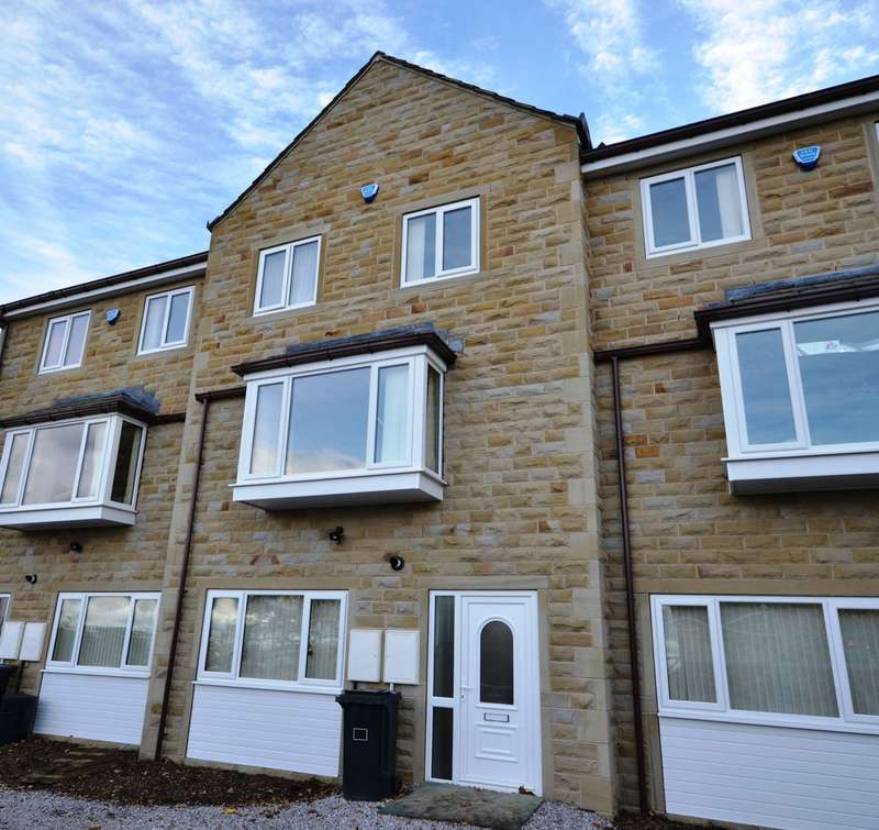 5 Bedrooms Property for rent in Forest Road, Huddersfield HD5