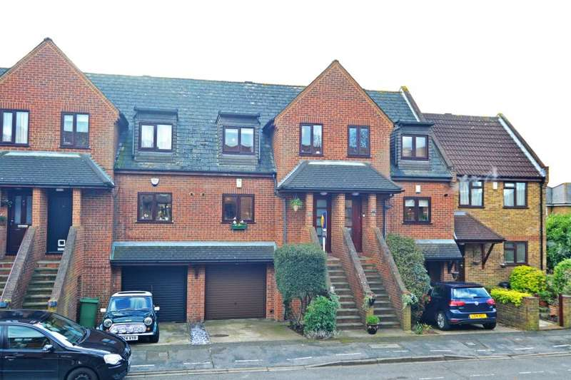 3 Bedrooms House for sale in Rectory Grove, Hampton, TW12