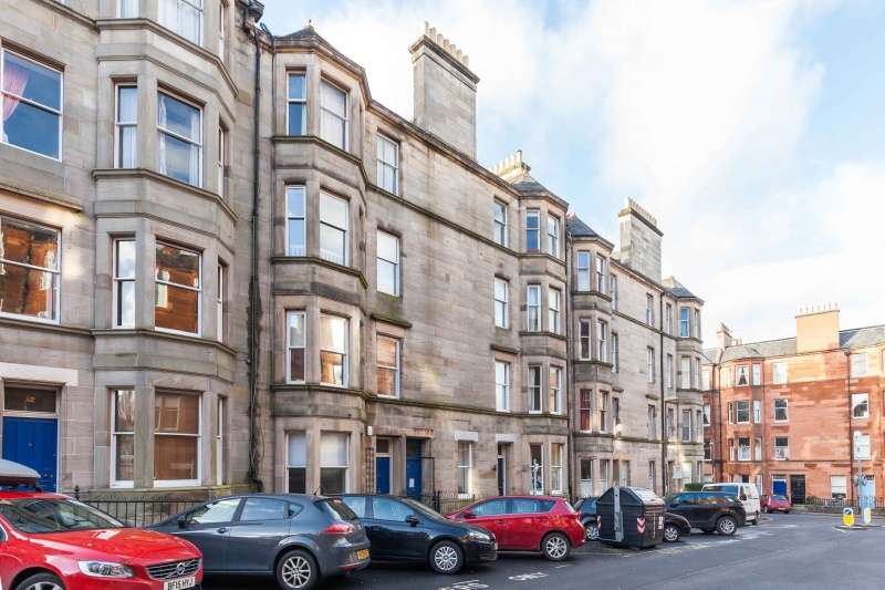 3 Bedrooms Flat for sale in Montpelier Park, Bruntsfield, Edinburgh, EH10 4NG