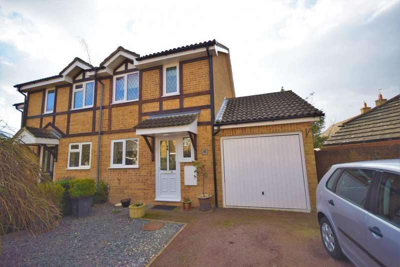 3 Bedrooms Semi Detached House for sale in Hatch Warren, Basingstoke, RG22