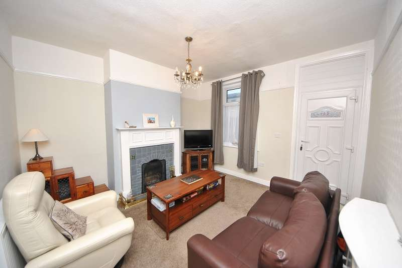 2 Bedrooms Terraced House for sale in Mount Street, Southport. PR9 0RG