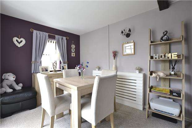 4 Bedrooms Terraced House for sale in Ralegh Crescent, WITNEY, Oxfordshire, OX28