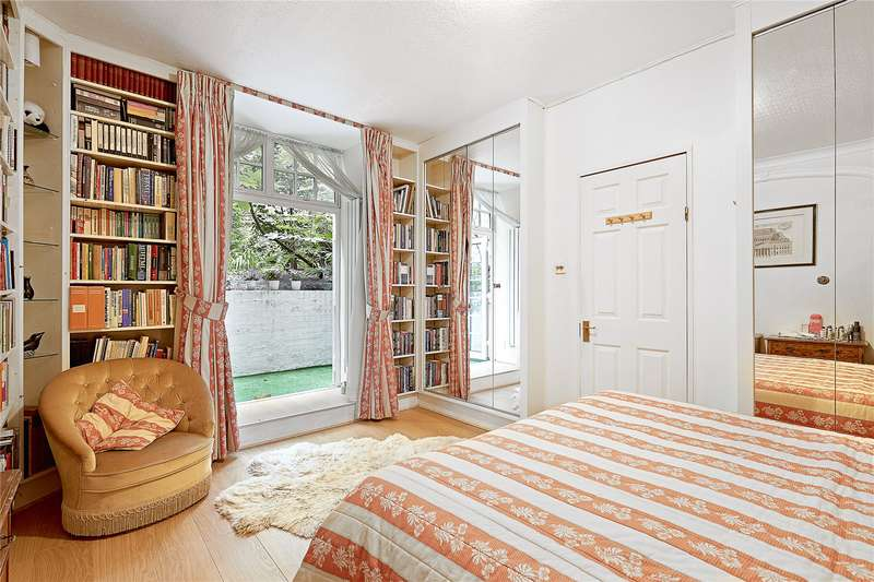 2 Bedrooms Maisonette Flat for sale in Daver Court, Chelsea Manor Street, Chelsea, London, SW3