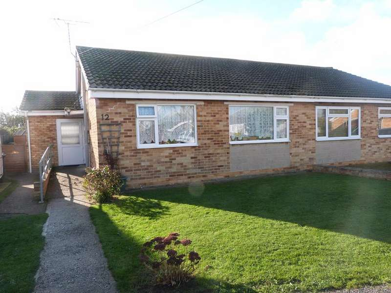 2 Bedrooms Semi Detached Bungalow for sale in Wheatfield Road, Selsey