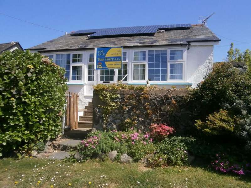 3 Bedrooms Detached Bungalow for sale in Gwyneska, LLanaber. LL42 1RR