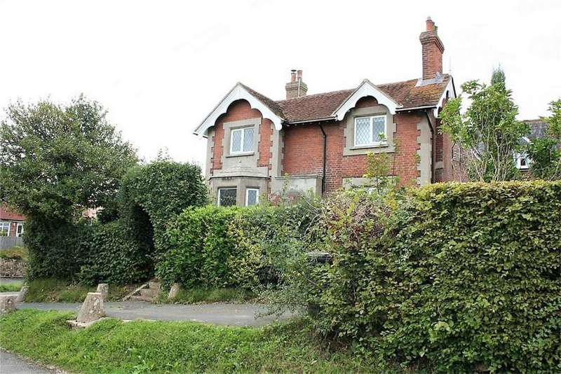2 Bedrooms Detached House for sale in Marley Lane, BATTLE, East Sussex