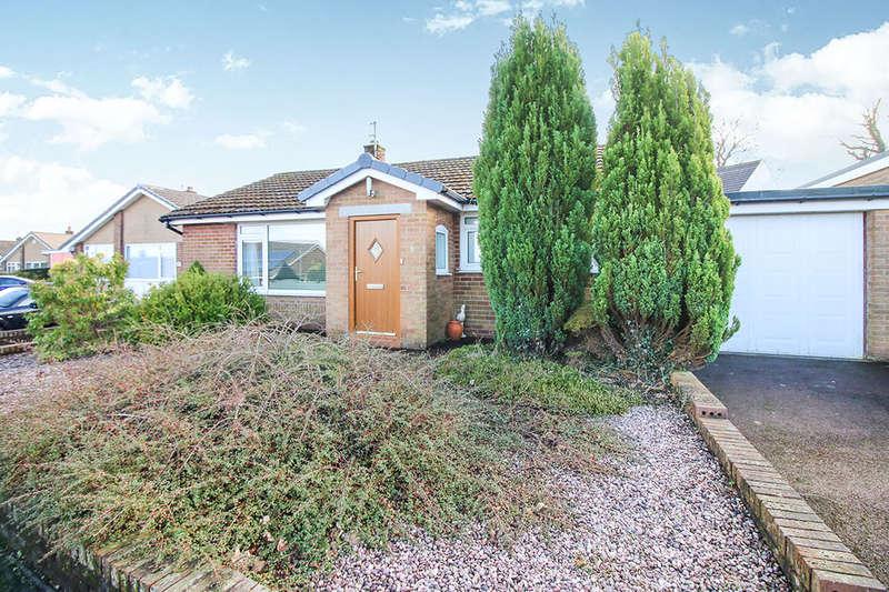 2 Bedrooms Detached Bungalow for rent in Moorland Road, Langho, Blackburn, BB6