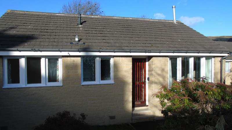 2 Bedrooms Detached Bungalow for sale in King Street, Mytholmroyd, Hebden Bridge, HX7
