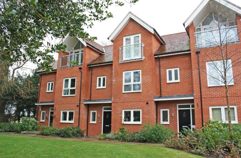 4 Bedrooms Town House for sale in Nicolls Close, Cholsey