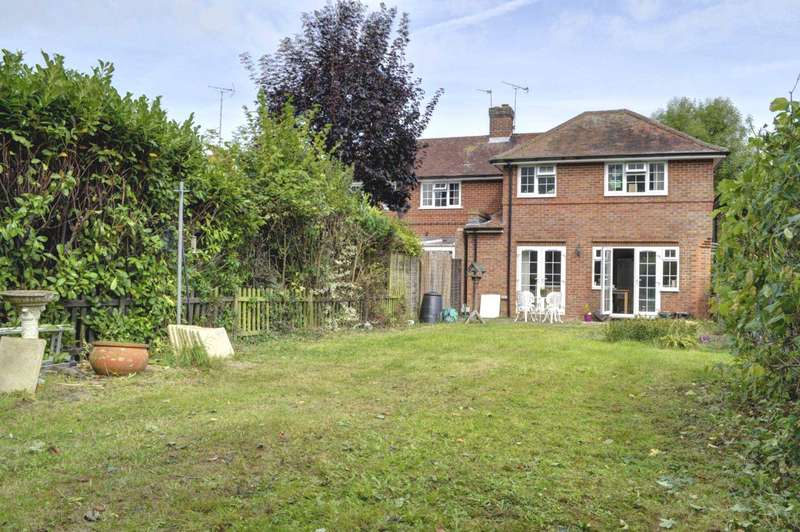 3 Bedrooms Semi Detached House for sale in Longwick Village