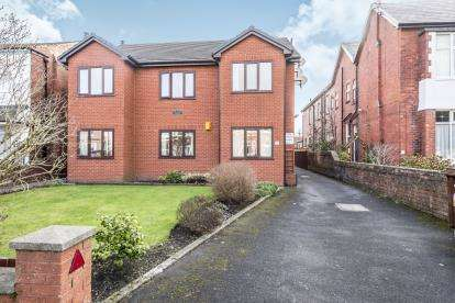 1 Bedroom Flat for sale in Hampton Road, Southport, Lancashire, Uk, PR8
