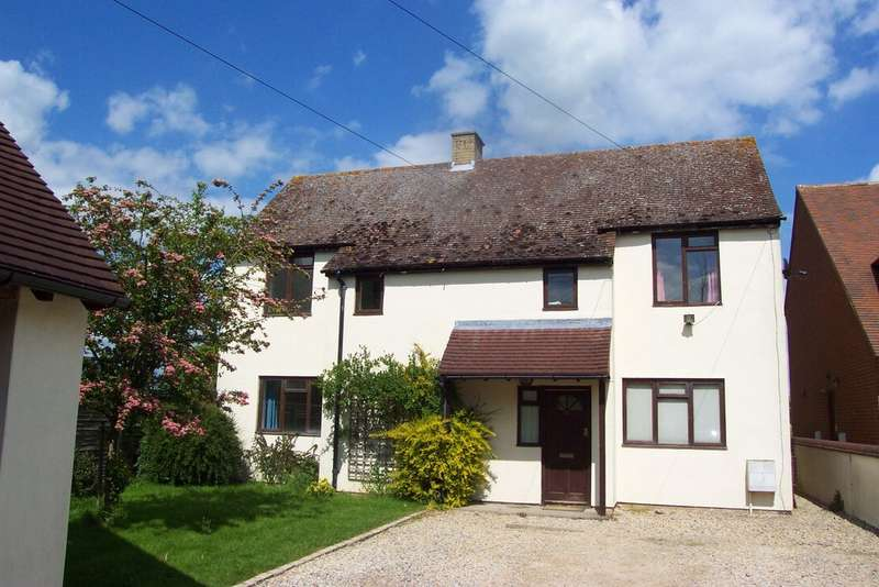 4 Bedrooms Detached House for sale in Chinnor | Oxfordshire